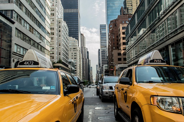taxi-cab-381233_640.jpg