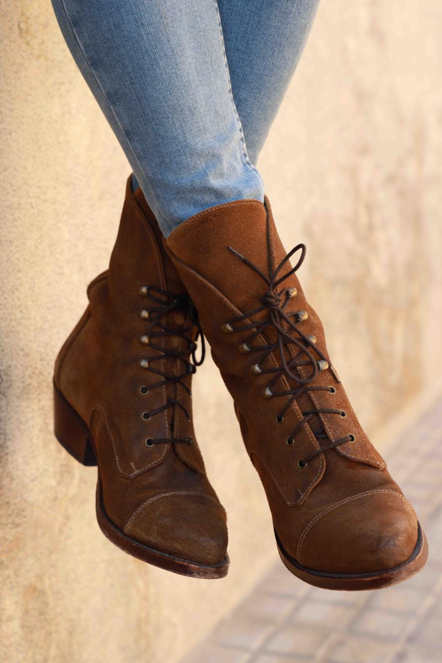 Types of casual boots