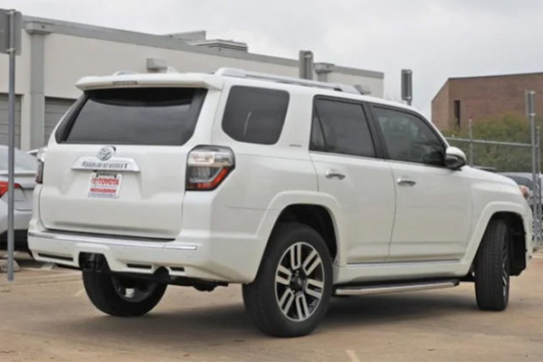 2019-Toytoa-4-runner-rear-end