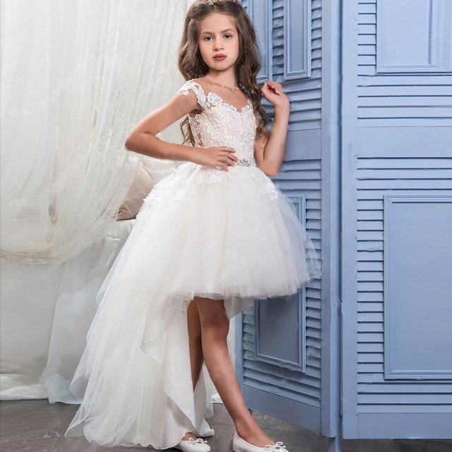 Sukienka dla dziewczynki z dłuższym tyłem