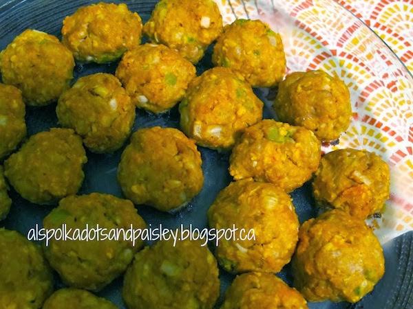 Buffalo Turkey Meatballs by Polka Dots and Paisley