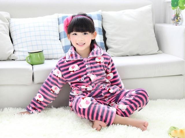 6 zasad aby pomóc matce wybrać bezpieczne ubrania dla dzieci