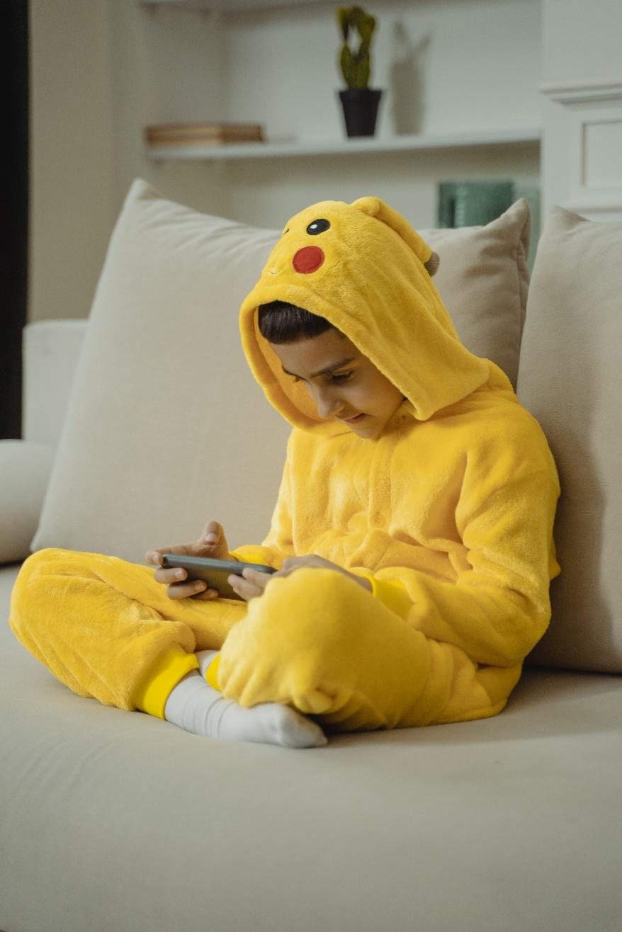 i bermain ponsel sebelum tidur