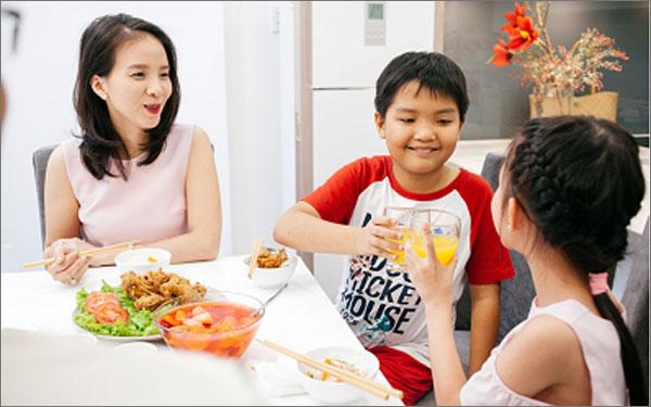 Luôn tin tưởng lẫn nhau thì mối quan hệ giữa các thành viên trong gia đình mới có thể tốt đẹp.