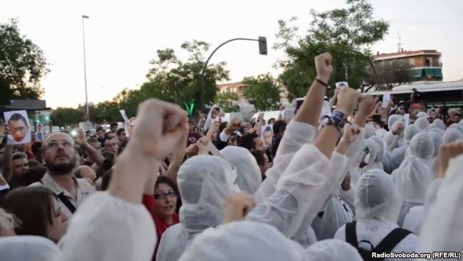 Фани «Райо» на одній з вуличних акцій в Іспанії