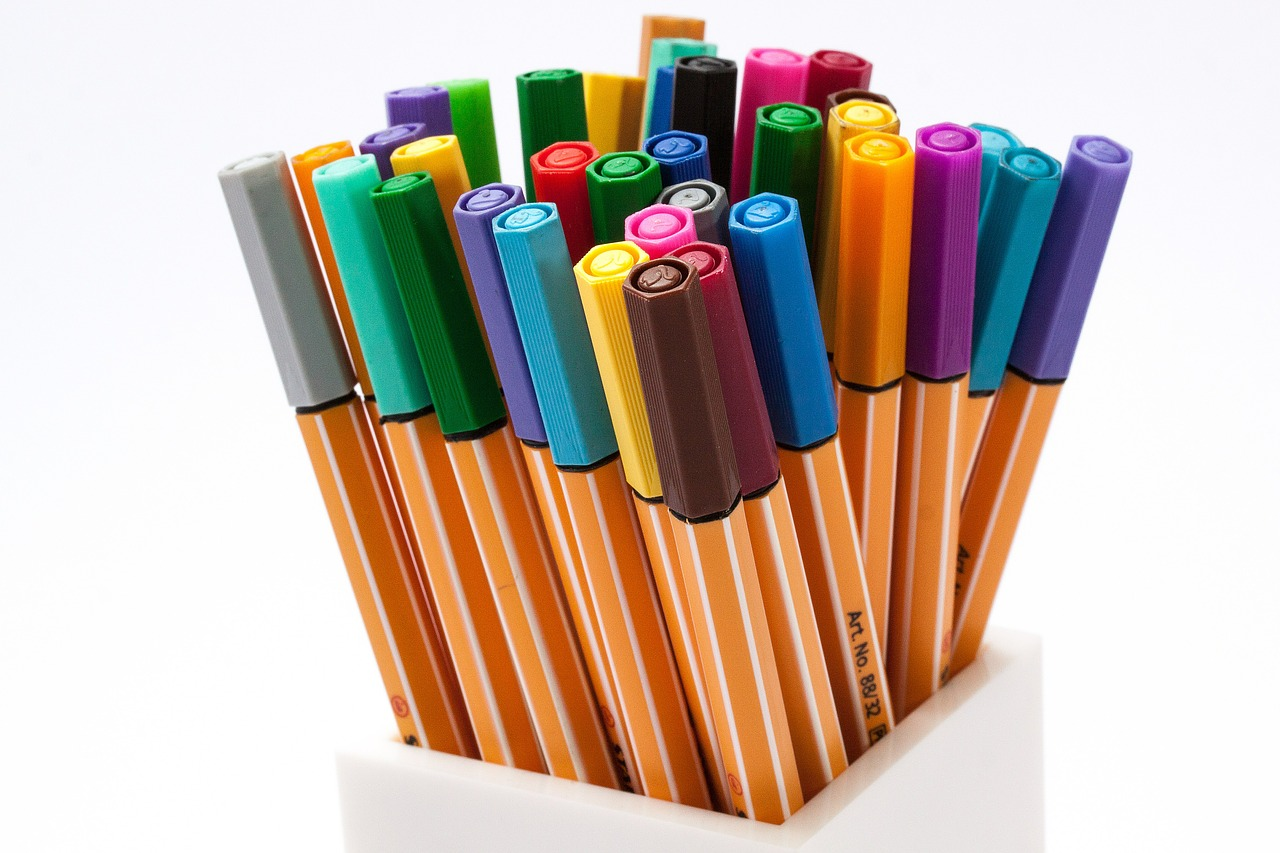 colored-pencils-402546_1280.jpg