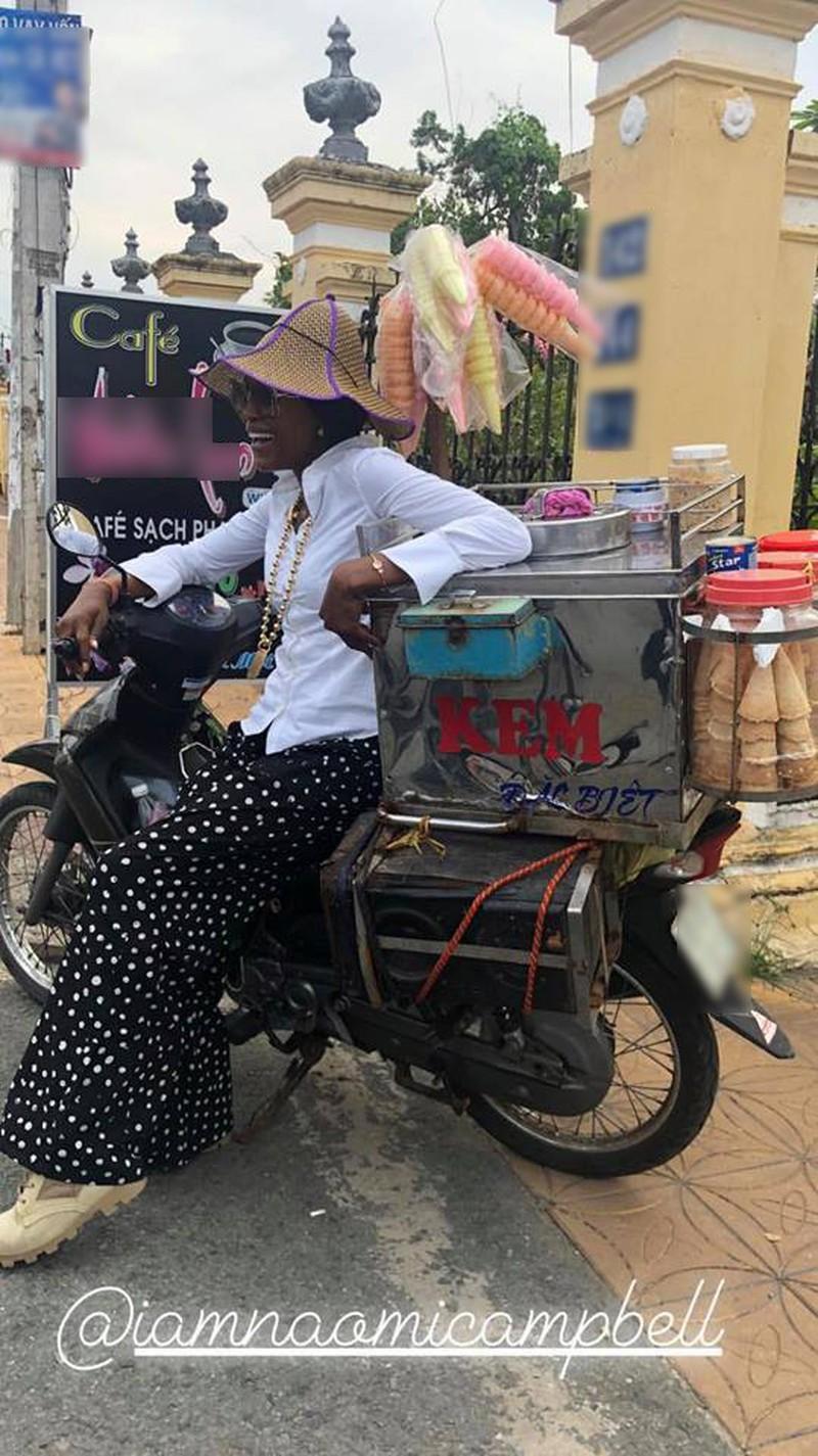 Naomi Campbell liên tục khoe ảnh ở  Việt Nam - ảnh 3