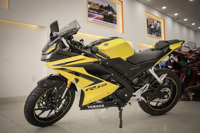 Yamaha YZF-R15 mau vang racing ve Viet Nam, gia 78 trieu hinh anh 8