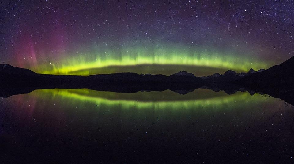 aurora-borealis-1002259_960_720.jpg