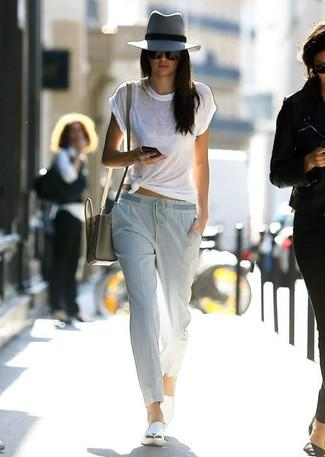 Image result for kendall jenner with plain t-shirt