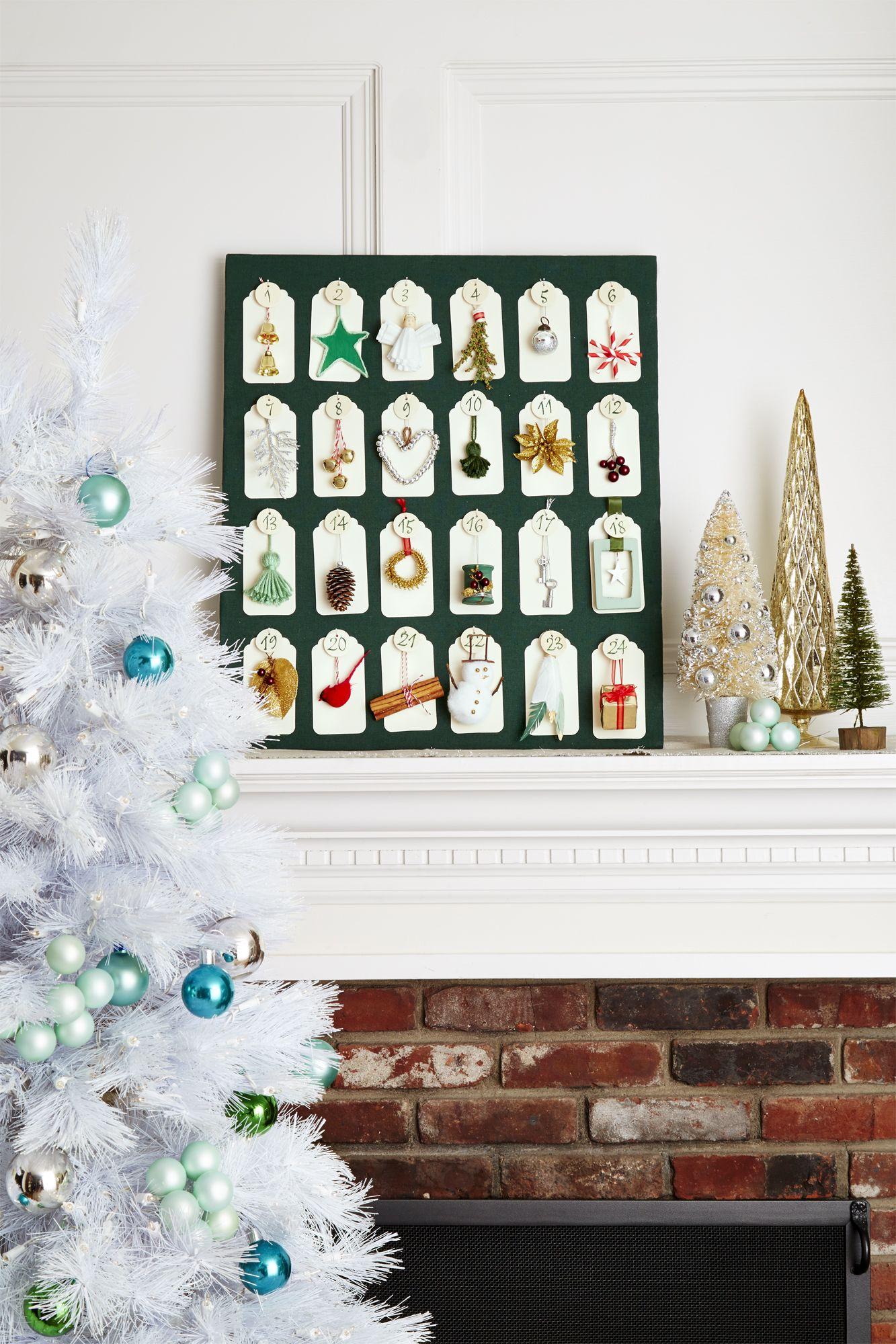 DIY Christmas Wall Decor with Countdown Calendar Ideas