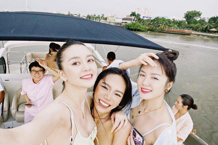 Vũ Thảo My tổ chức sinh nhật cùng bạn bè bên du thuyền - ảnh 6