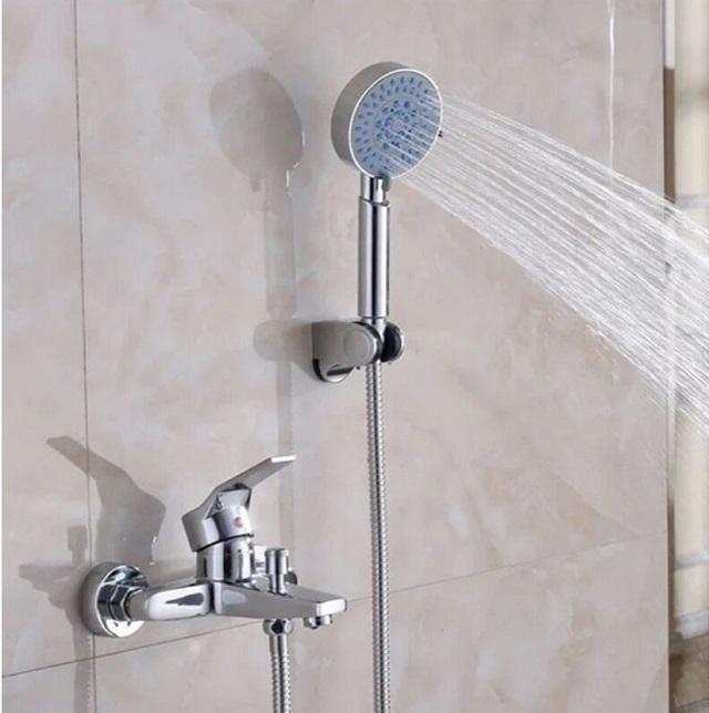 Vòi sen tắm nóng lạnh là gì?