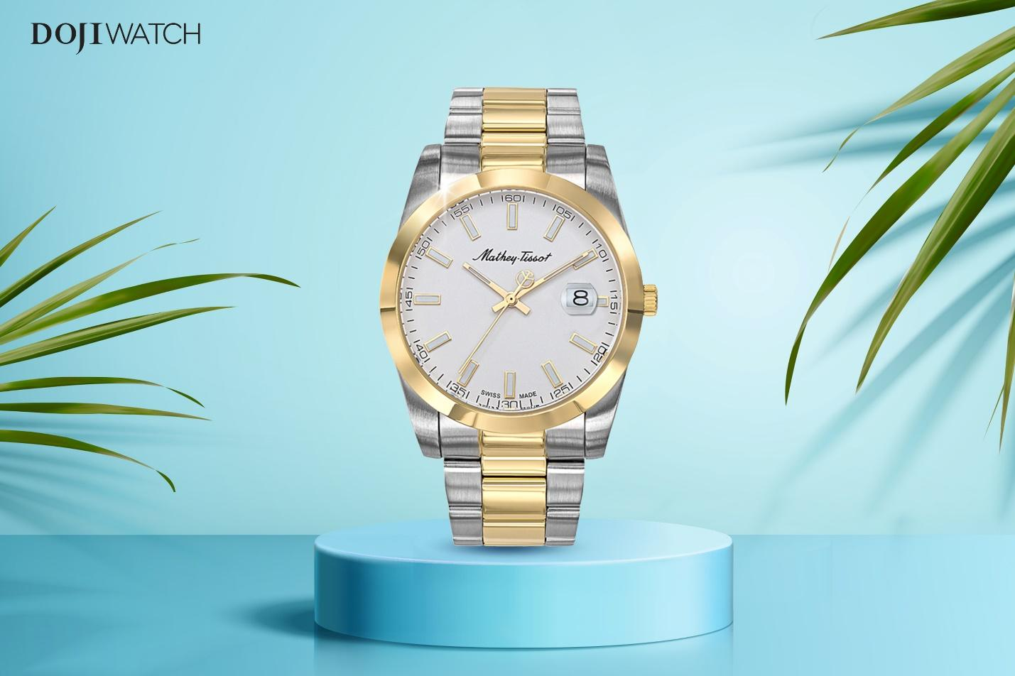A picture containing clock, watch, palmDescription automatically generated