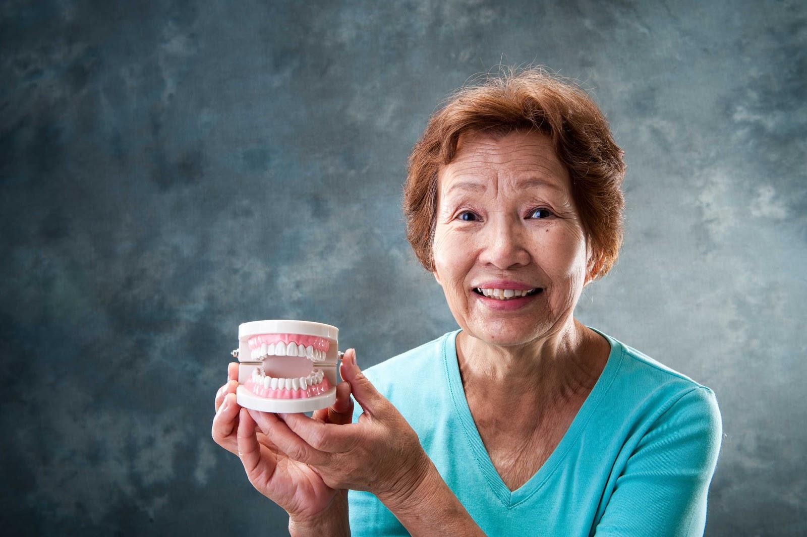 Bệnh lý răng miệng ở người già