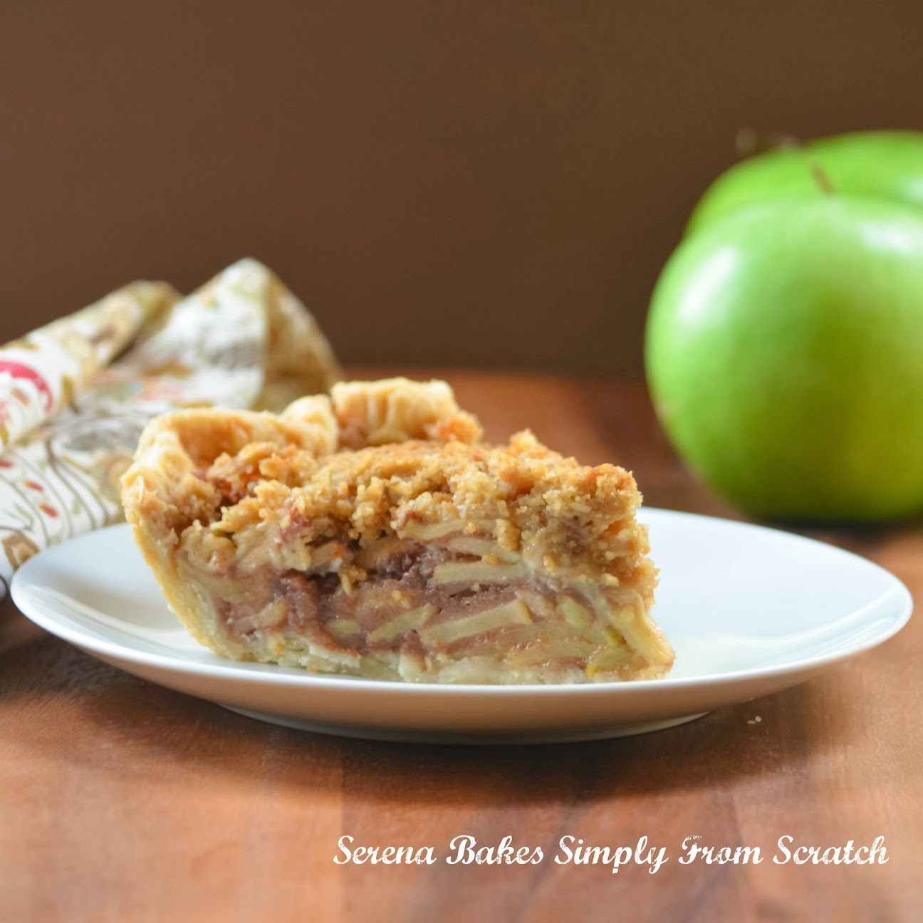 Caramely-Apple-Pie-With-Crunch-Topping.jpg