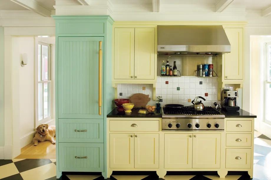 Sárga és vintage zöld konyha berendezés