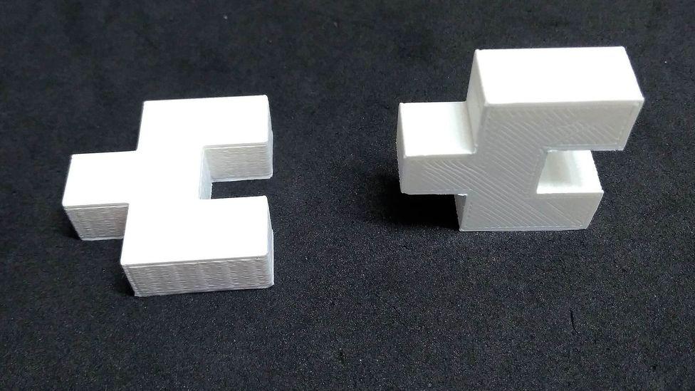 Tijolos como esses poderiam ser o protótipo de tijolos de plástico que são fortes e duráveis o suficiente para serem usados na construção (Crédito: Sibele Cestari)