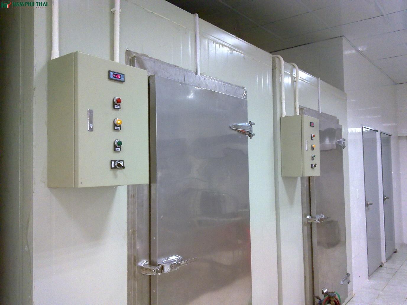 Bản lề cửa kho lạnh được sử dụng phổ biến nhất hiện nay