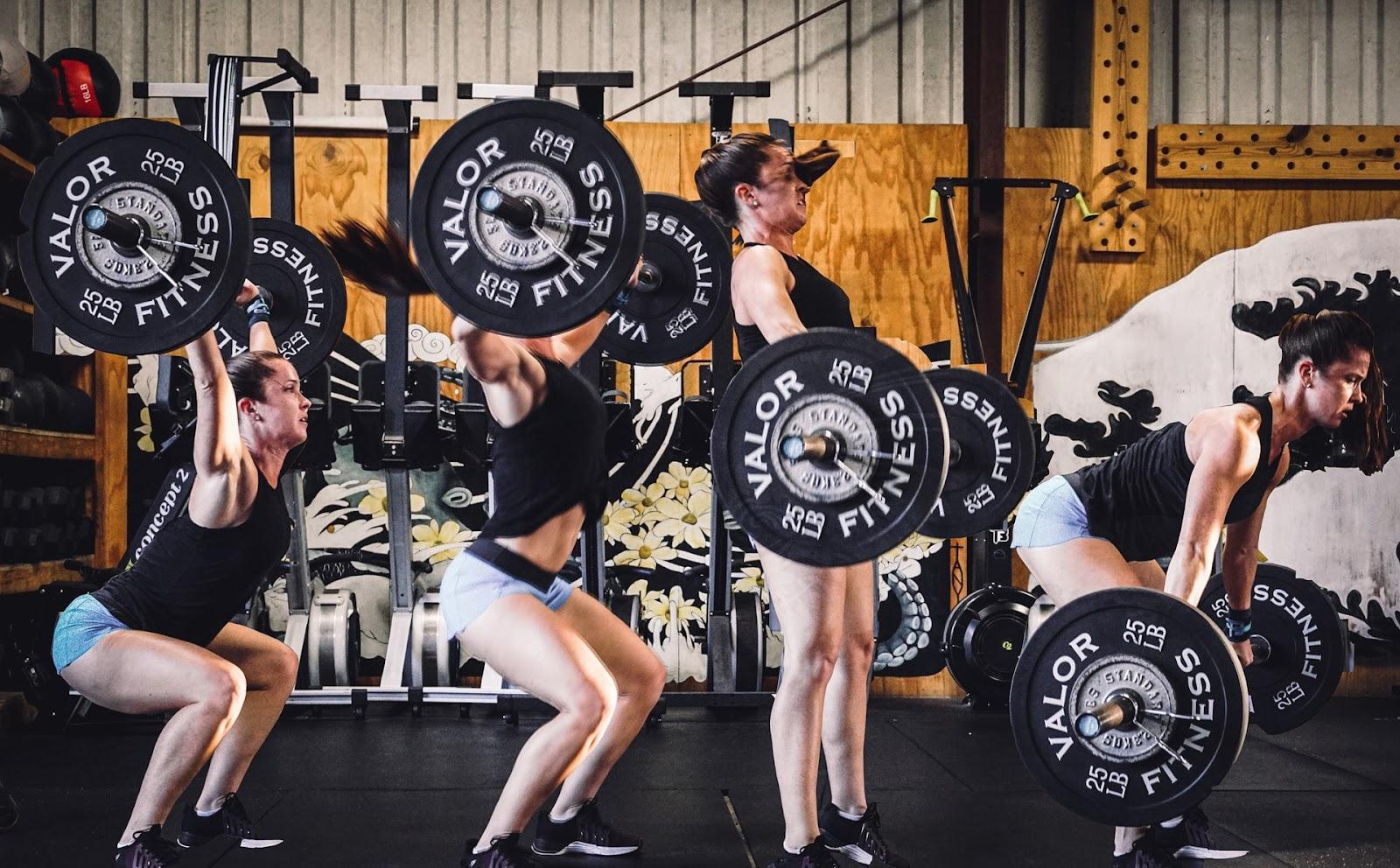 Homens têm mais testosterona, mas mulheres costumam ter mais flexibilidade e amplitude articular (Fonte: Unsplash)
