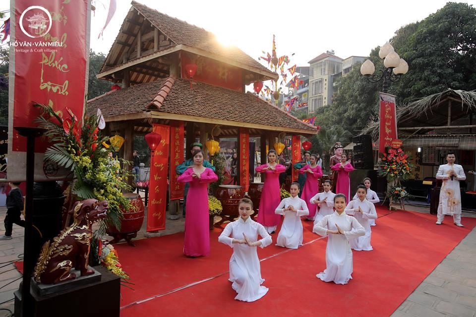 Ngày hội xuân diễn ra tại Hồ văn - Văn Miếu