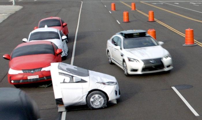 รถยนต์ระดับ 2 สามารถตัดสินใจหักหลบได้ด้วยตัวเอง