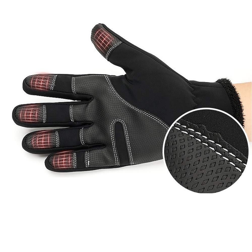 Chất liệu của găng tay phượt phải phù hợp với điều kiện sử dụng
