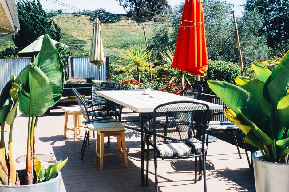 garden-table-terrace.jpg