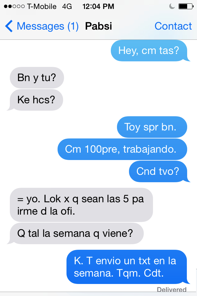 Texting in Spanish, photo by Jily