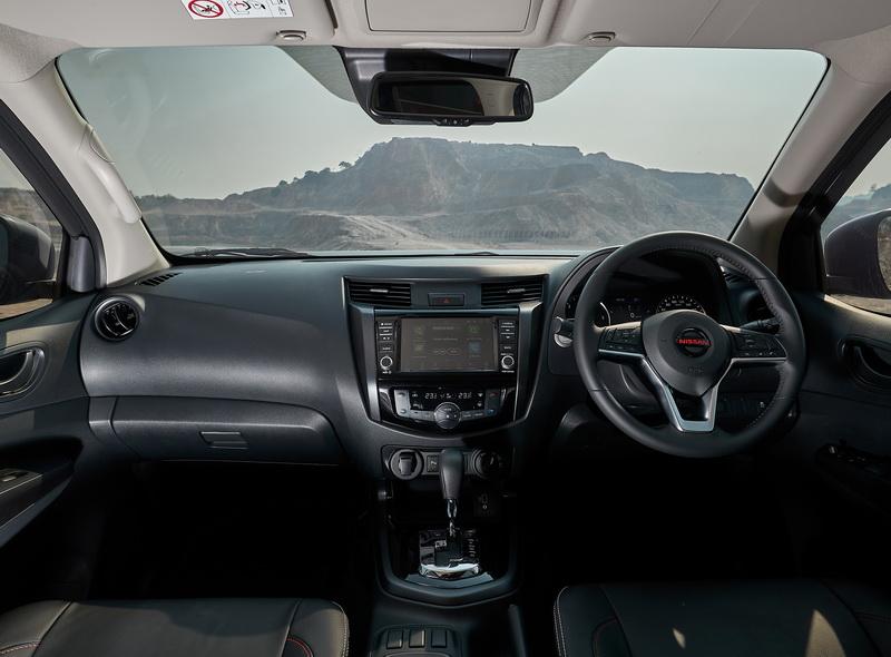 ดีไซน์ภายในรถยนต์ : New Nissan Navara Pro 4x