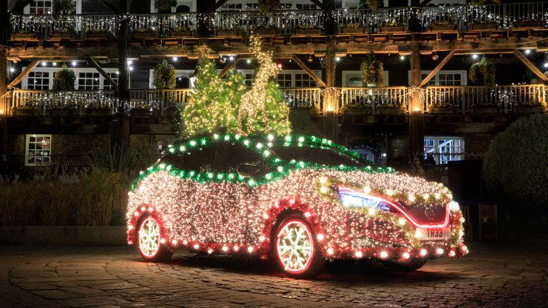 https://o.aolcdn.com/images/dims3/GLOB/legacy_thumbnail/800x450/format/jpg/quality/85/https:/s.aolcdn.com/os/ab/_cms/2019/12/09153610/nissan-leaf-christmas-tree-lights-1.jpg