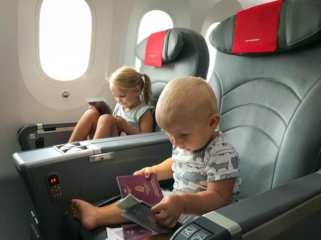 How to Entertain a Toddler on a Plane? 1