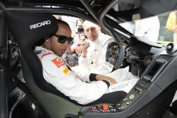 Lewis Hamilton / McLaren MP4-12C GT3