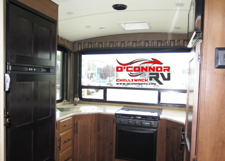 Outdoor RV kitchen at O'Connor RV