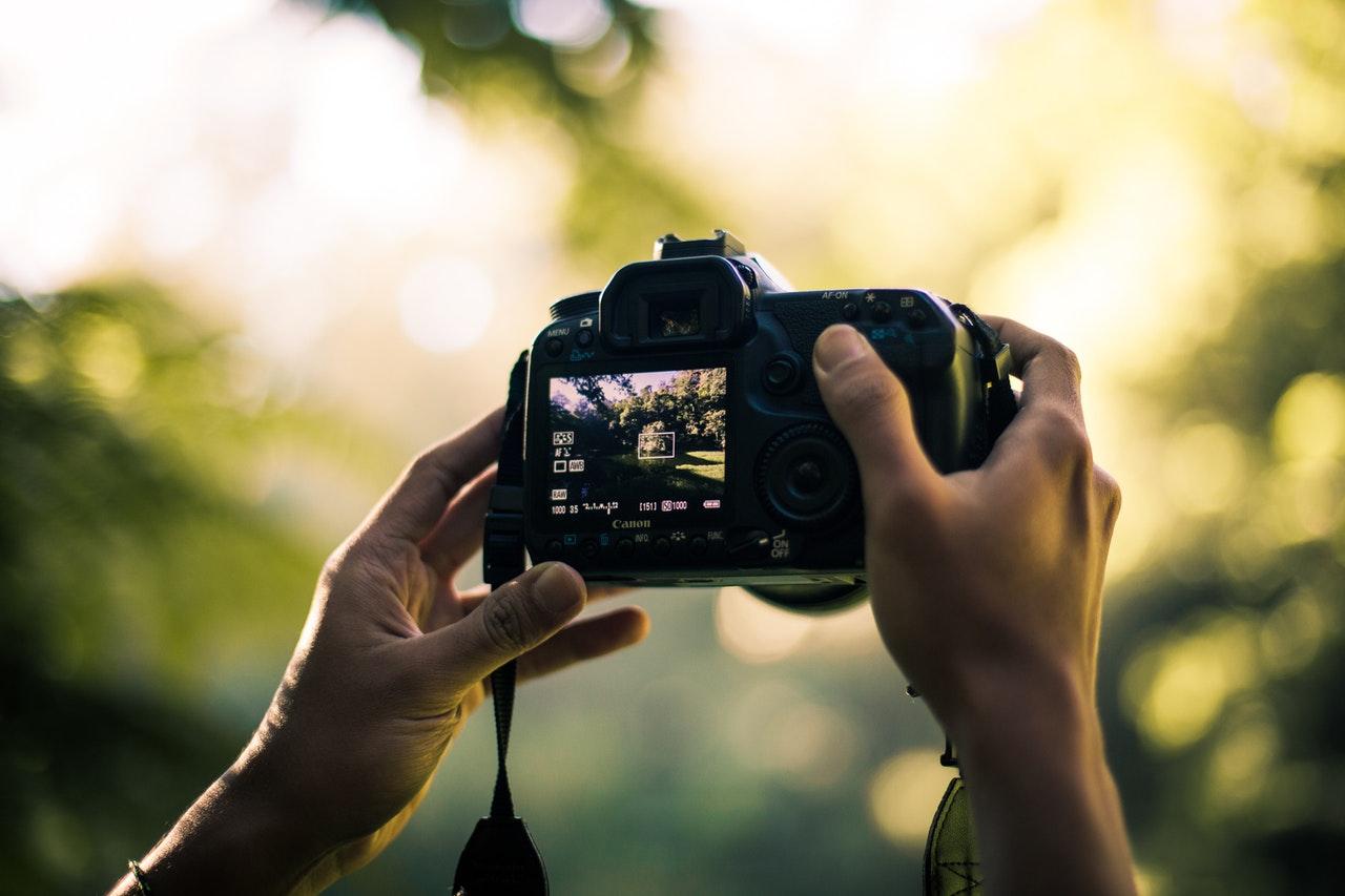 Full frame cameras do not have a crop factor.