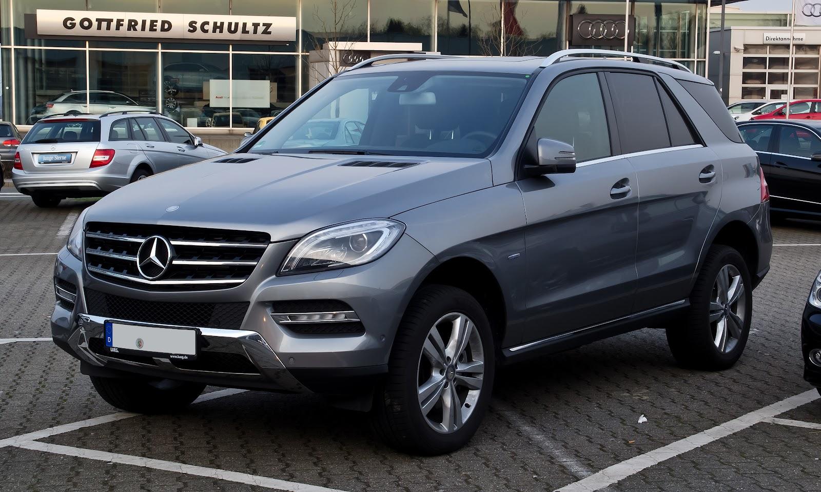 Mercedes-Benz_ML_250_BlueTEC_4MATIC_(W_166)_–_Frontansicht,_24._März_2012,_Velbert.jpg