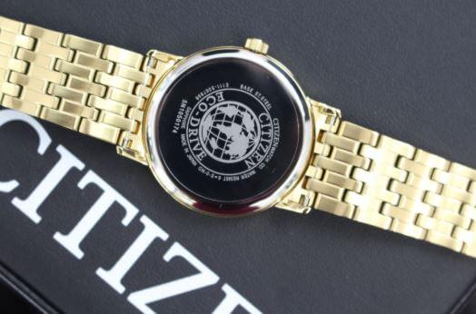 Cách phân biệt đồng hồ Citizen chính hãng