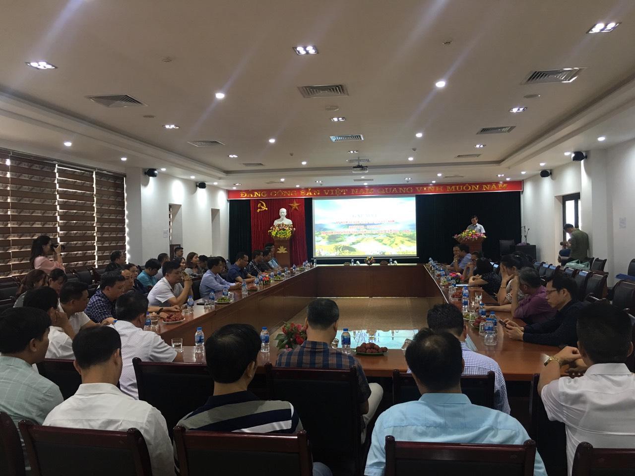 """Tọa đàm về """"Phát triển sản phẩm du lịch Lào Cai giai đoạn 2021-2025 và định hướng đến 2030"""""""