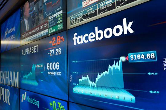 Tampilan harga saham facebook dan google di bursa