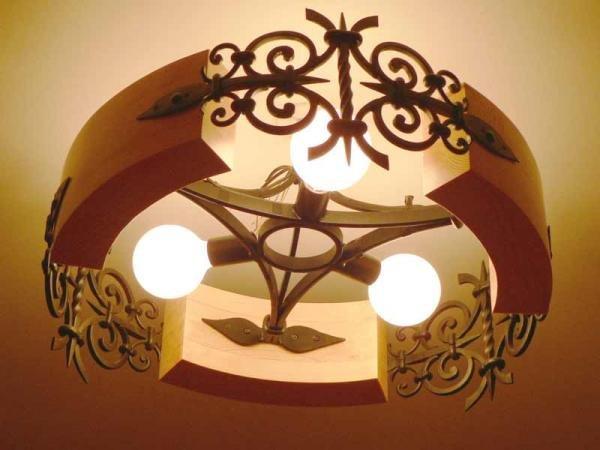 Деревянный светильник плавной формы своими руками