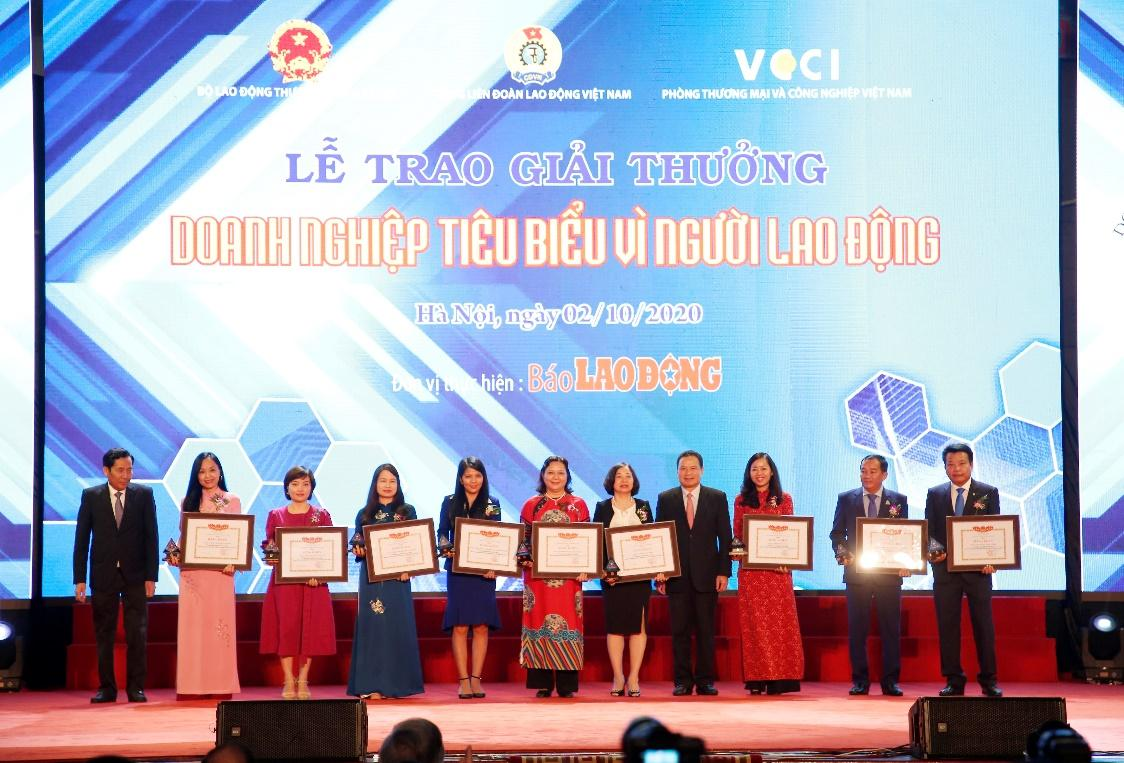 D:\Yến\Chương trình - giải thưởng - Tài trợ\. Năm 2019 Giải thưởng\Bảng xếp hạng DN vì người Lao Động 2019\BRG (2).JPG