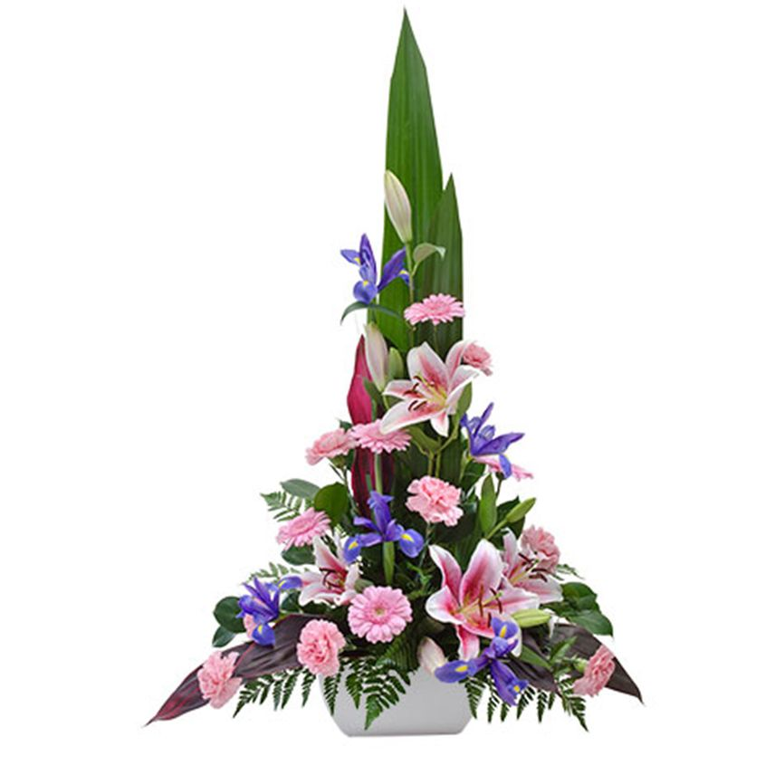 Congratulate Extravagantly With Choice Blooms