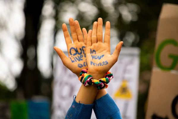 Hands with a message