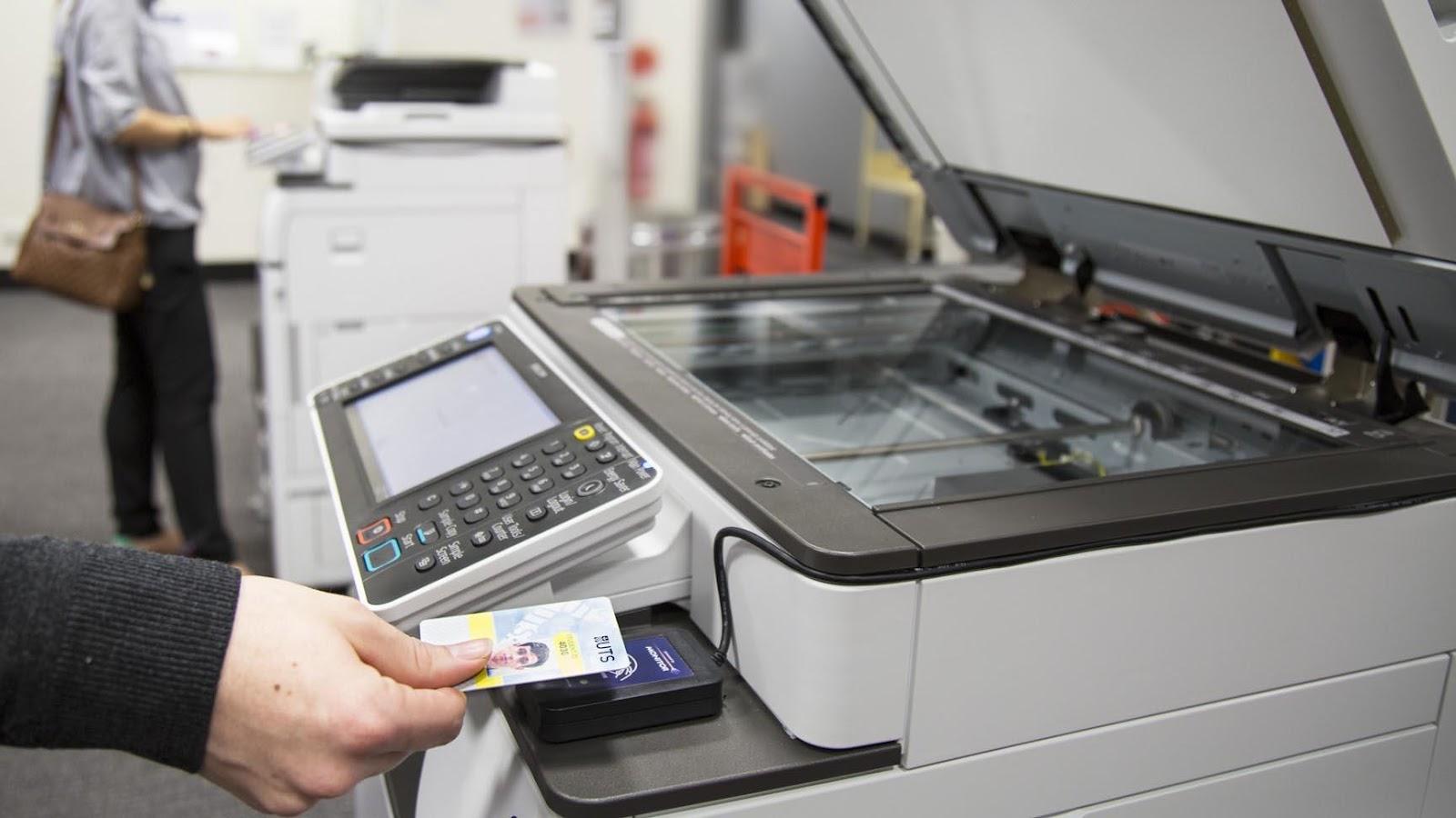 Khi sử dụng máy photocopy nên chú ý điều gì?