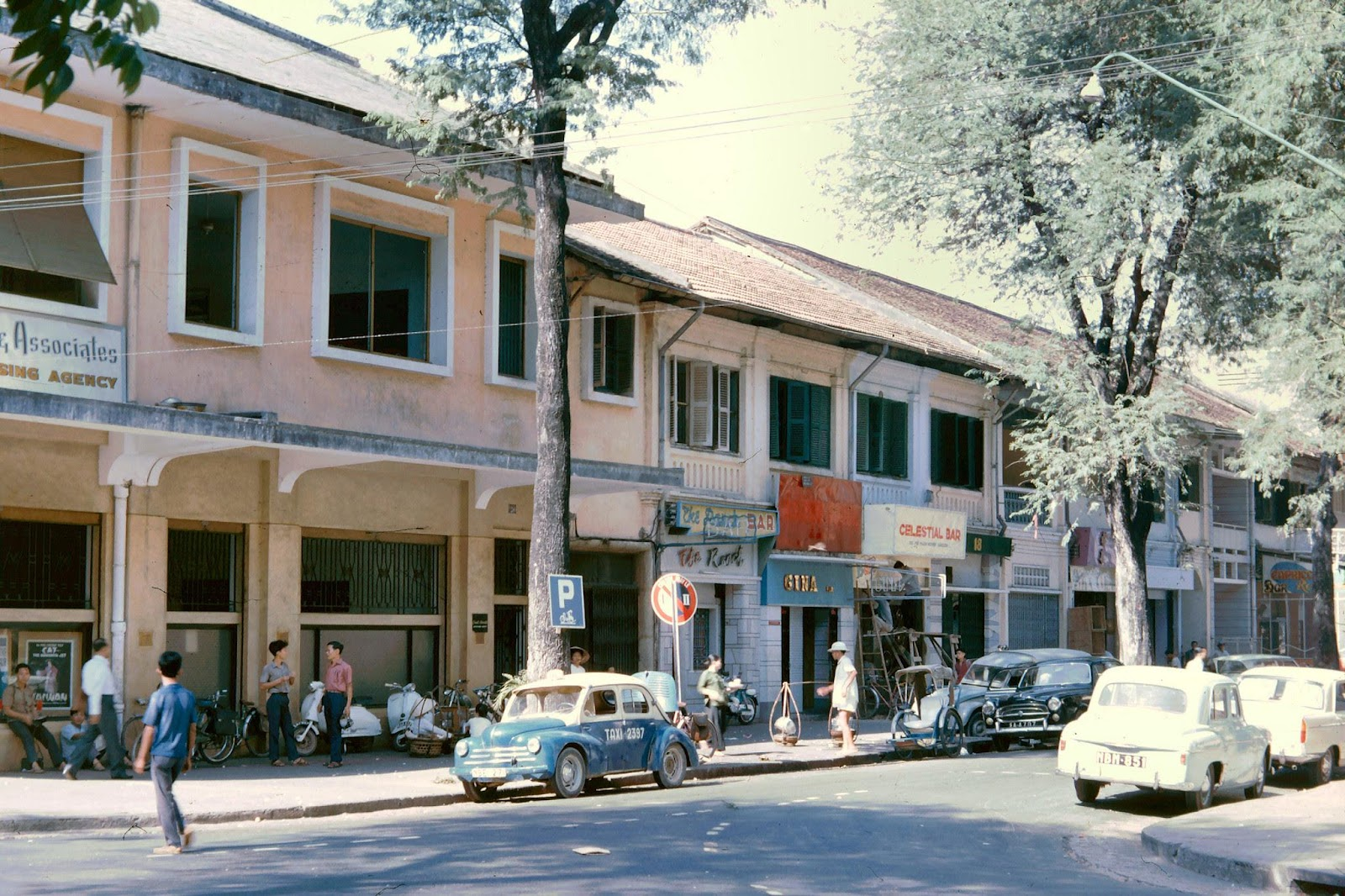 60 tấm ảnh màu đẹp nhất của đường phố Saigon thập niên 1960-1970 - 12
