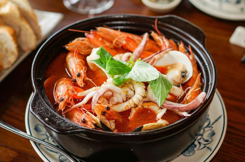 nhà hàng hải sản Hương Biển FLC Sầm Sơn