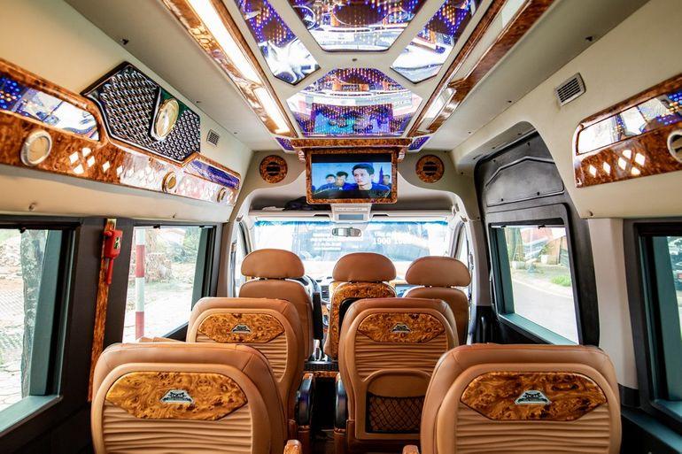 Nội thất xe Hoàng Phú Limousine đi Sapa từ Hà Nội