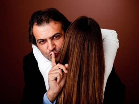 Tránh nói dối bạn gái để mối quan hệ bền vững
