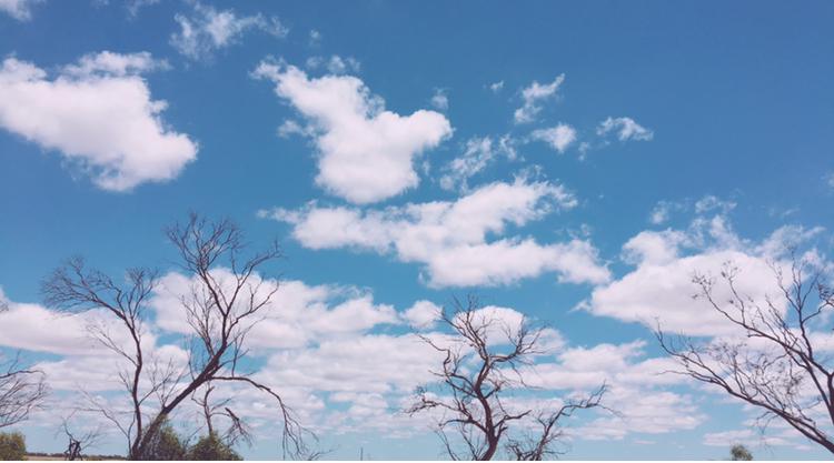 德尼利坤美麗的天空