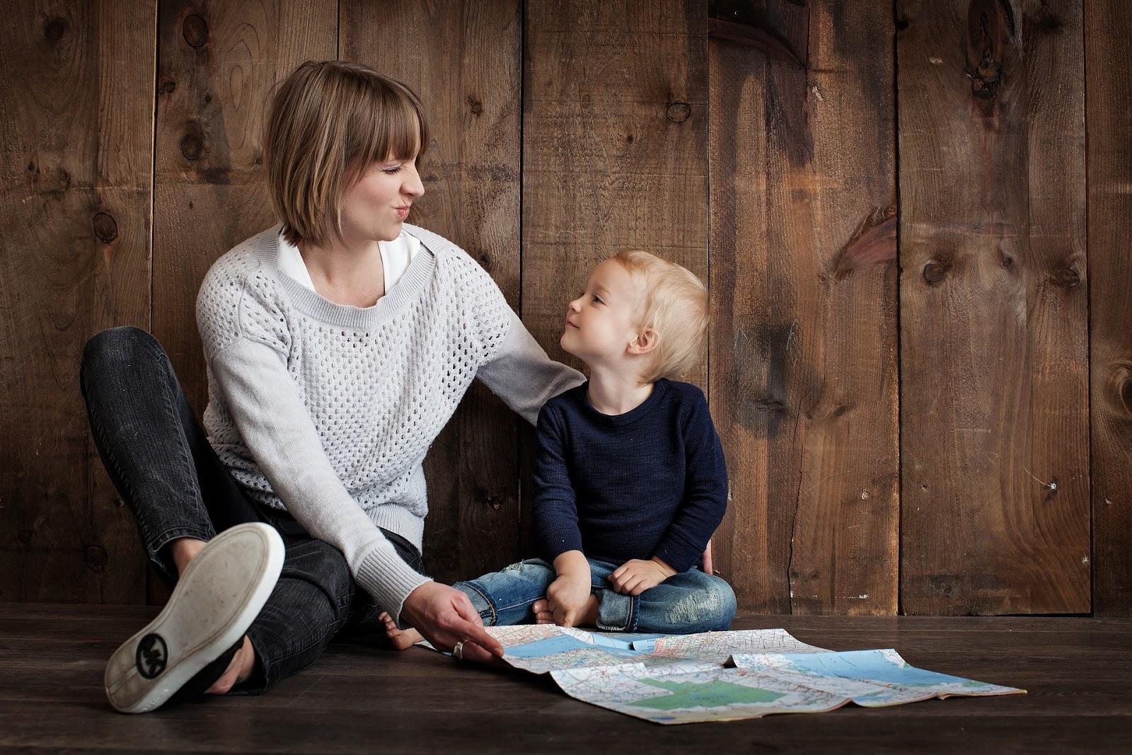 Cách dạy trẻ 2 tuổi hiệu quả - Cha mẹ hãy trở thành người bạn của trẻ
